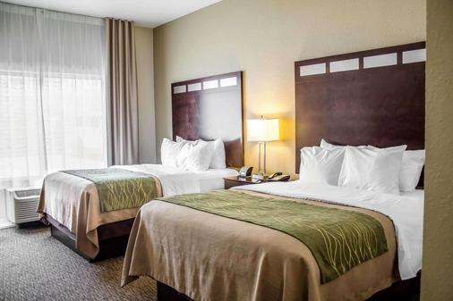 Comfort Inn - Saint Clairsville - Makuuhuone