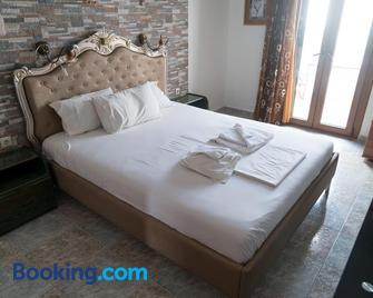 Orama Apartments - Agia Anna - Bedroom