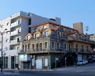 Aviv Hostel - Tiberias - Building