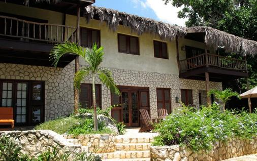 Tensing Pen Hotel - Negril - Building