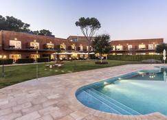 Hotel Blaumar Llafranc - Llafranc - Pool