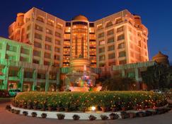 Hotel Swosti Premium - Bhubaneswar - Κτίριο