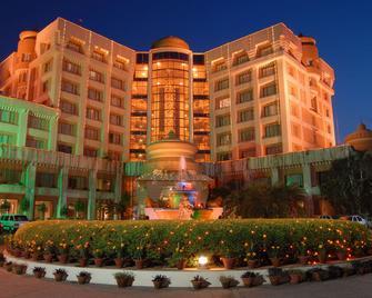 Hotel Swosti Premium - Bhubaneswar - Building