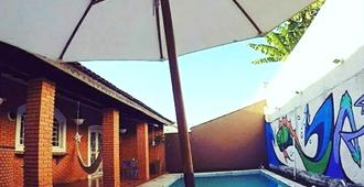 Black Hostel - Bauru - Piscina