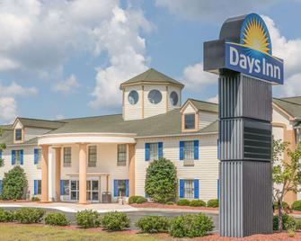Days Inn by Wyndham Shallotte - Shallotte - Building