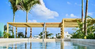 Newport House Playa Boutique Hotel - Playa del Carmen - Pool
