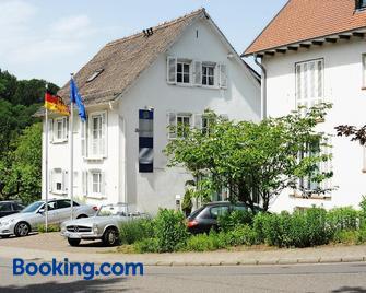 Hotel Restaurant Sengscheider Hof - Saint Ingbert - Edificio