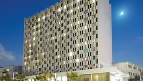 Grand Beach Hotel - Τελ Αβίβ - Κτίριο