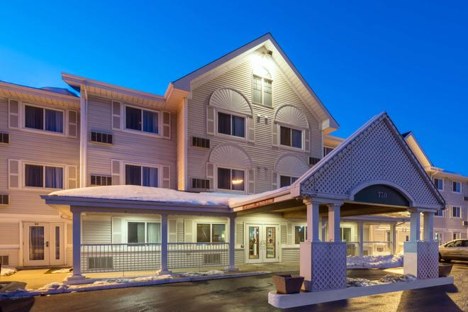 Country Inn & Suites by Radisson, Winnipeg, MB - Winnipeg - Building