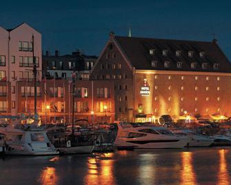 Hotel Gdansk - Gdansk - Building