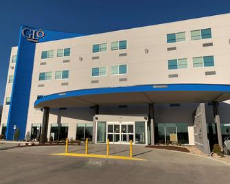 GLo Best Western Tulsa East Route 66 - Catoosa - Building