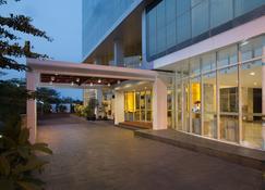 Hariston Hotel & Suites - Джакарта - Здание