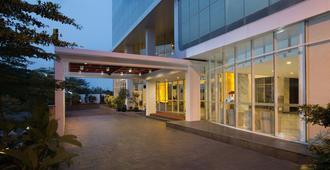 Hariston Hotel & Suites - ג'קרטה - בניין