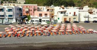 Amarea Beach & Hotel - Aeolian Charme - ליפארי