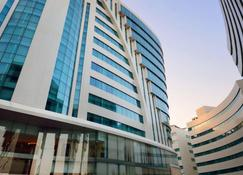 Holiday Villa Hotel & Residence City Centre Doha - Doha - Edificio