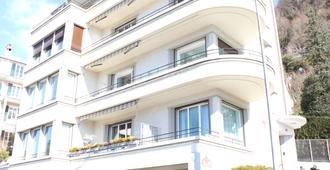 BnB Belalp - Montreux - Toà nhà