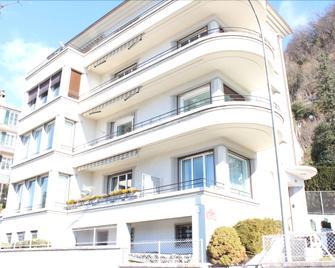 BnB Belalp - Montreux - Gebäude