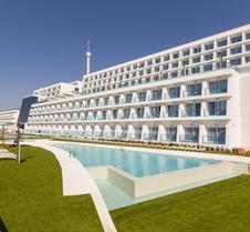 Grand Luxor Hotel - Terra Mitica Theme Park Tickets Included