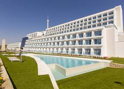 Grand Luxor Hotel - Benidorm - Building