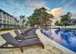 Royalton Negril Resort & Spa - Негріл - Басейн