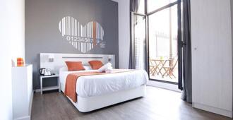 Hostal Live Barcelona - ברצלונה - חדר שינה