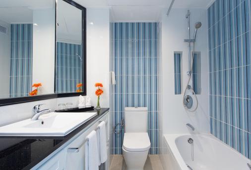 The Bayview Hotel Pattaya - Pattaya - Bathroom