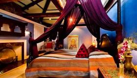 Moroccan Luxury Suites - Boston - Bedroom