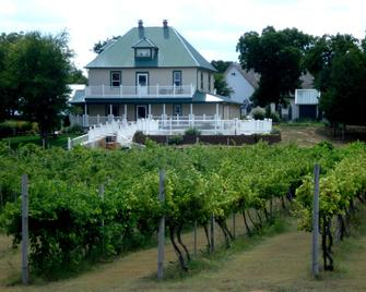 Indian Creek Village Winery - Ringwood
