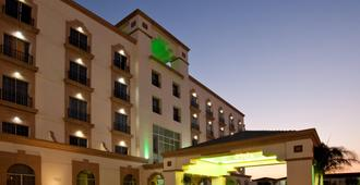 Holiday Inn Leon - León - Edifício