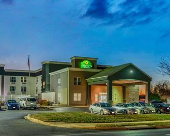 La Quinta Inn & Suites by Wyndham Lexington Park - Patuxent - California - Budova