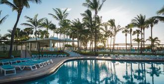 Hotel Riu Plaza Miami Beach - מיאמי ביץ' - בריכה