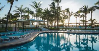 Hotel Riu Plaza Miami Beach - Майами-Бич - Бассейн