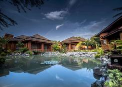 Heritage Bagan Hotel - Bagan - Pool