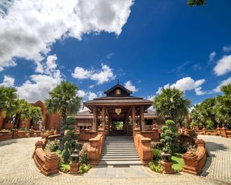 Heritage Bagan Hotel - Bagan - Building