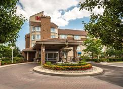 Monte Carlo Inn - Brampton Suites - Brampton - Building