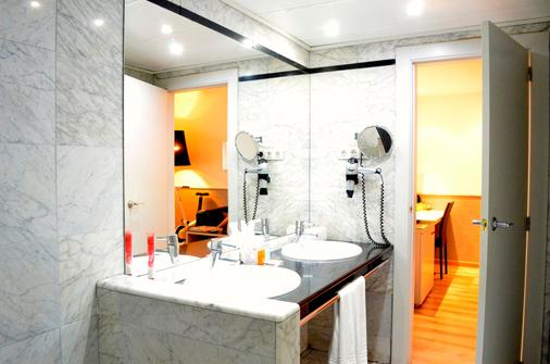 Hotel Rekord - Barcelona - Bathroom