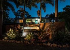 Torquay Terrace Bed & Breakfast - Hervey Bay - Building