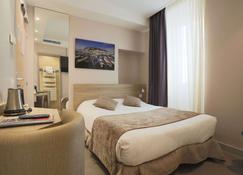 Hotel De La Fontaine - Niça - Habitació
