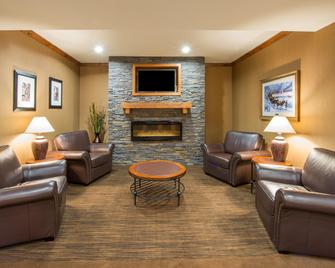 Holiday Inn Express & Suites Douglas - Douglas - Lounge