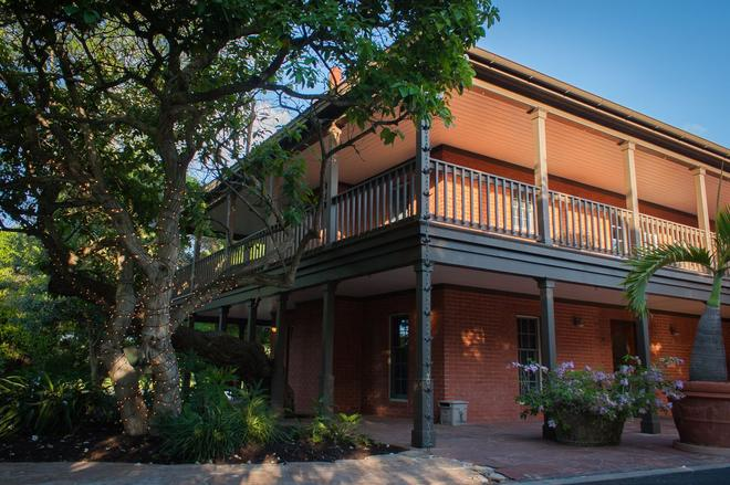 The Inn At Chachalaca Bend - Los Fresnos - Building