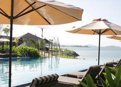 Ombak Villa Langkawi - Kampung Padang Masirat - Pool