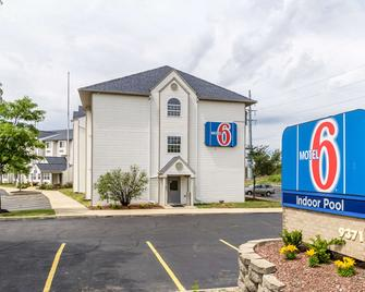 Motel 6 Streetsboro, OH - Streetsboro - Building