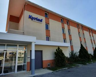 Kyriad Aix Les Milles - Plan de Campagne - Bouc-Bel-Air - Edificio
