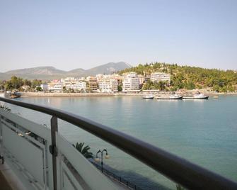 Paliria Hotel - Chalkis - Buiten zicht