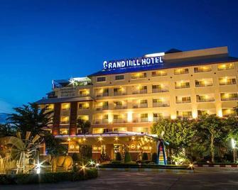 Grand Hill Resort And Spa - Nakhon Sawan - Building