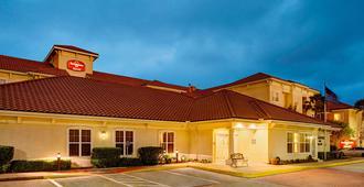 Residence Inn by Marriott Houston-West University - Houston - Building