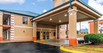 Rodeway Inn & Suites - Dickson - Building