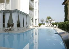 Le Rose Suite Hotel - Rimini - Pool