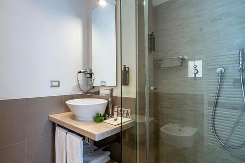Le Rose Suite Hotel - Rimini - Bathroom