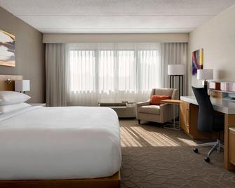 Delta Hotels by Marriott Utica - Utica - Bedroom